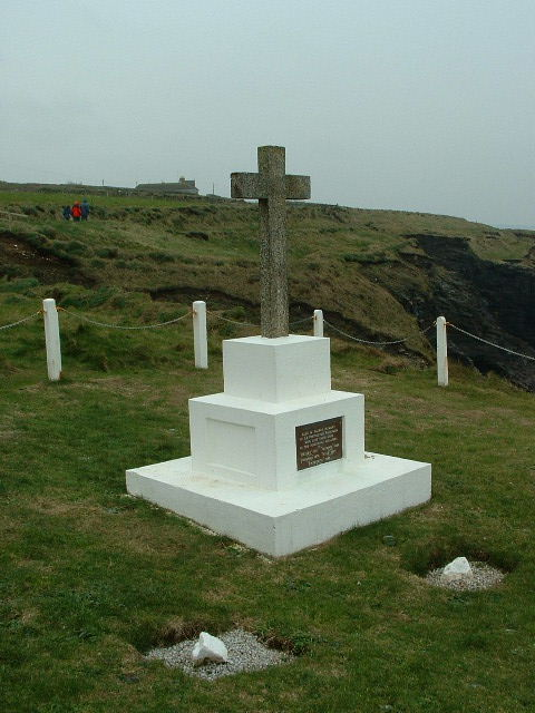 CLIFF CROSS AT BREAGESIDE, PORTHLEVEN
