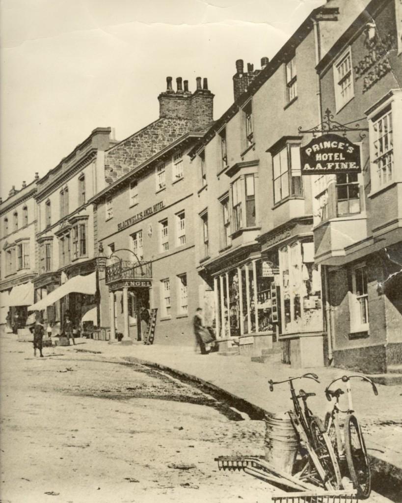 COINAGEHALL STREET