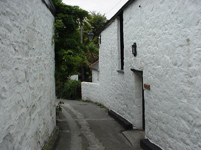 FIVE WELLS LANE