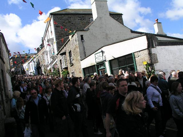 FLORA DAY CROWDS