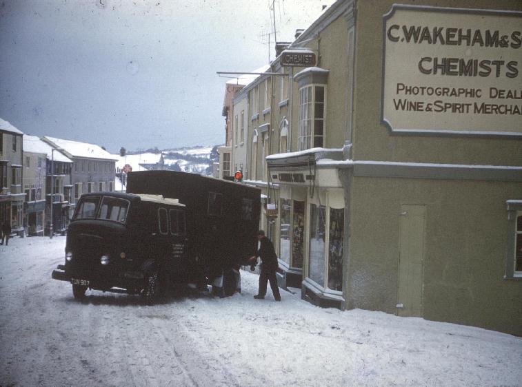 HELSTON SNOW 1965