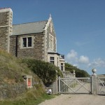 LOE BAR GATEHOUSE