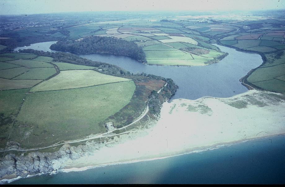 LOE BAR & POOL FROM THE AIR