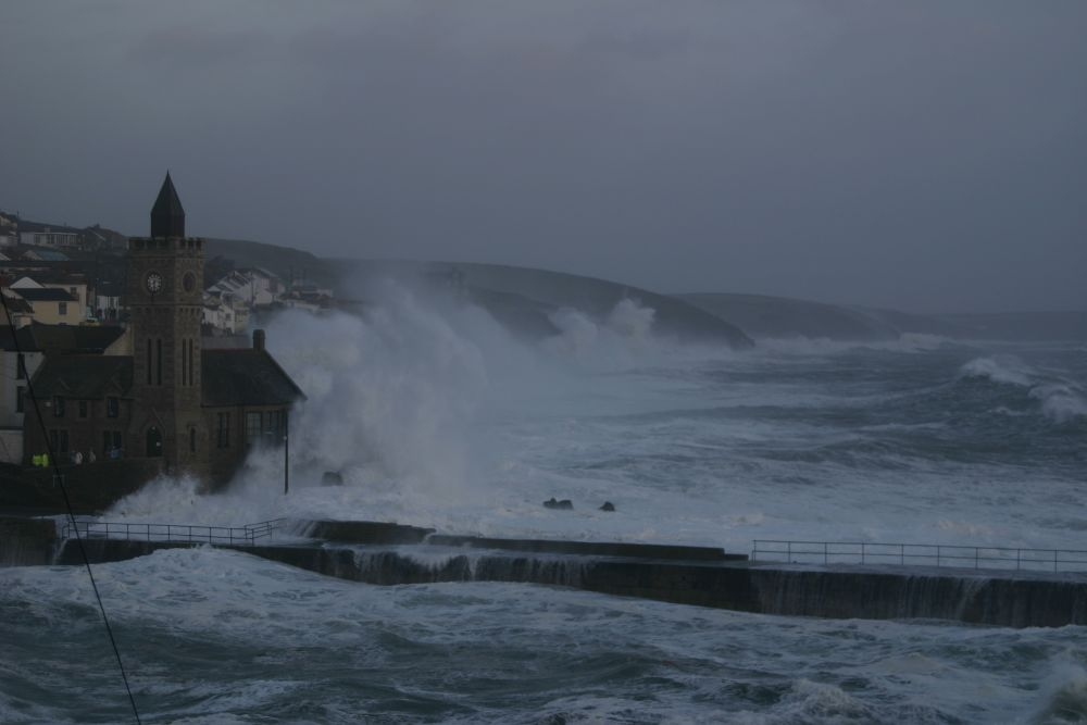 PORTHLEVEN HURRICANE 10th March 2008