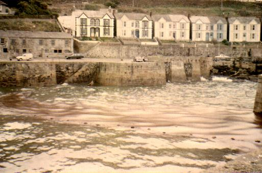 PORTHLEVEN HARBOUR CRUDE OIL