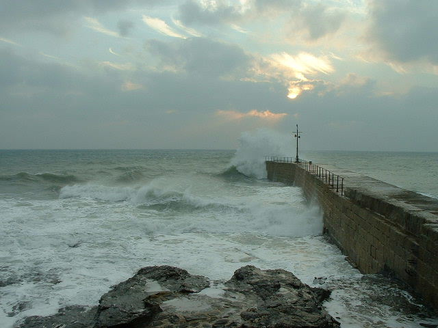 WINTER WAVES AT PORTHLEVEN PIER